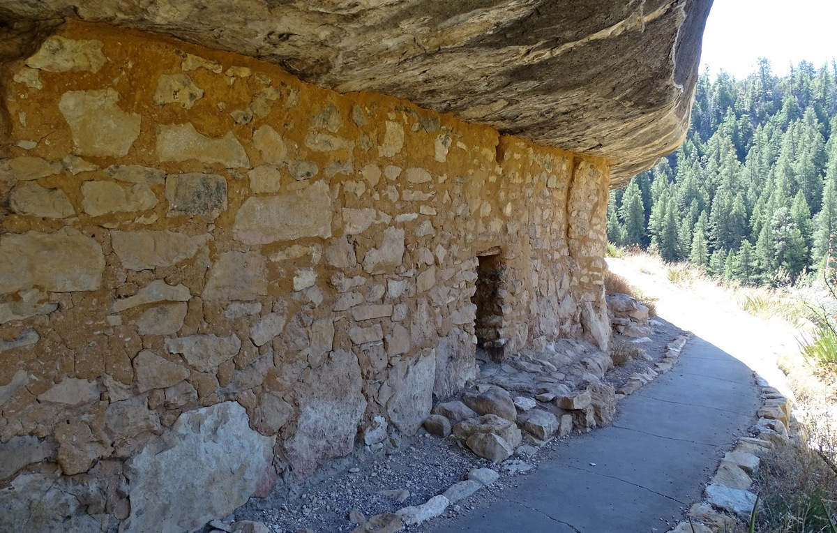 Updates from the Road: the Ruins of Walnut Canyon
